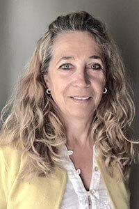 Nora Arias